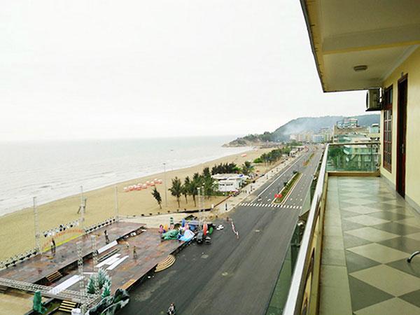View biển từ ban công khách sạn Biển Đợi Sầm Sơn