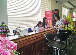 Lễ tân khách sạn Vũ Phong Sầm Sơn