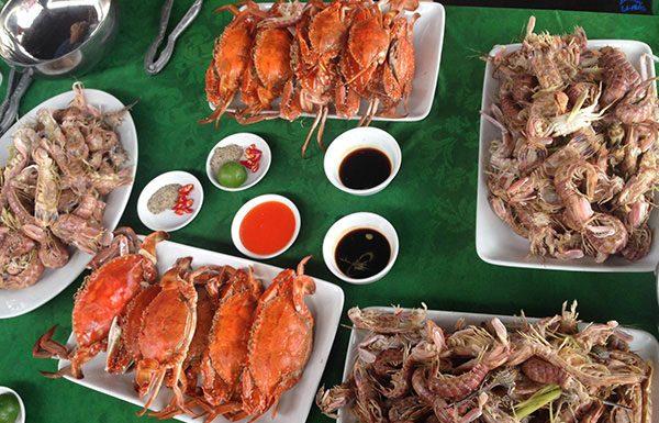 Món ăn tại nhà hàng hải sản Chinh Thuỷ Sầm Sơn