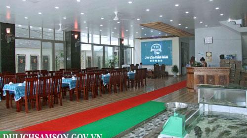 Phòng ăn nhà hàng Tuấn Năm Sầm Sơn