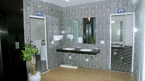 Nhà vệ sinh nhà hàng Tuấn Năm Sầm Sơn