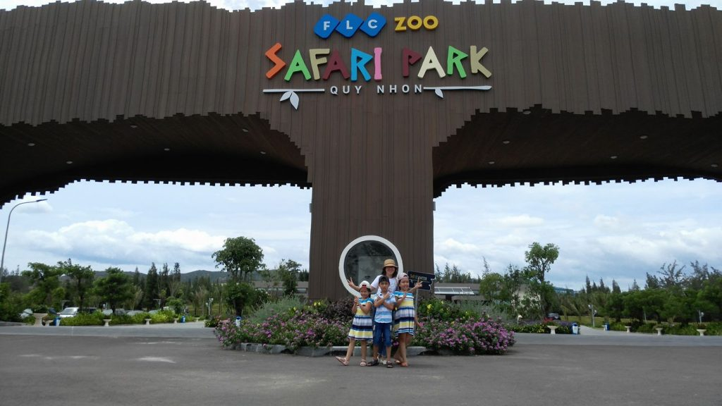 FLC Zoo Safari Park