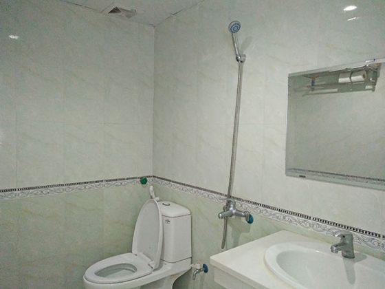 Phòng vệ sinh khách sạn Kim Xuyến Sầm Sơn